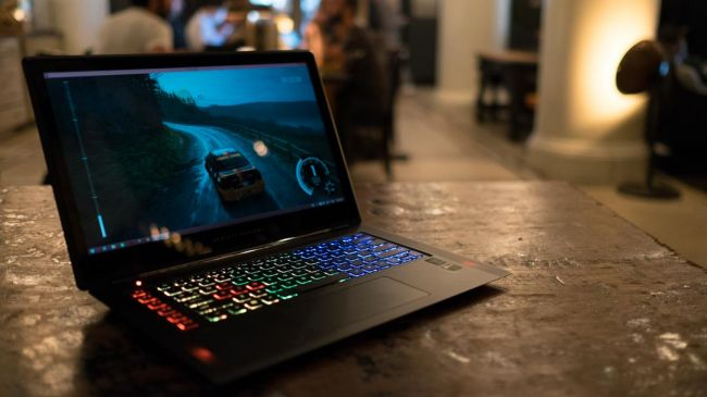 laptop gaming terbaik 8