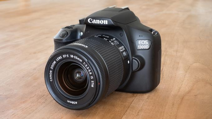 canon-eos-1300d - Kamera Terbaik Untuk Pemula