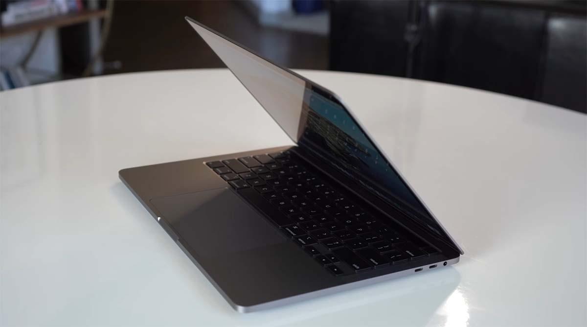 Apple Macbook Pro (13 inch, 2020)