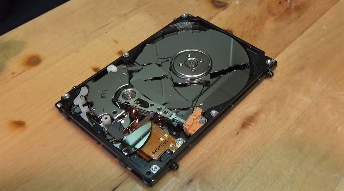 hard disk pecah rusak
