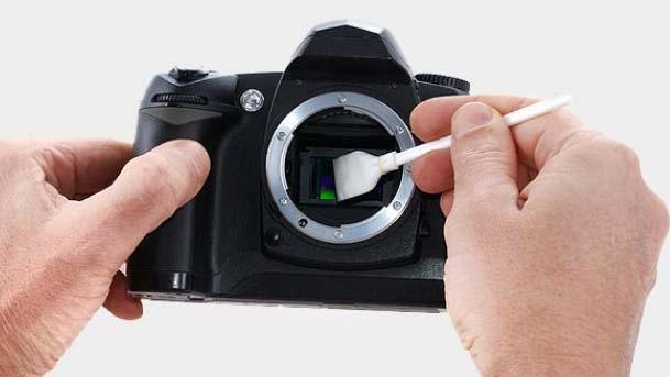 Bersihkan Lensa DSLR