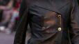 jaket kulit hitam