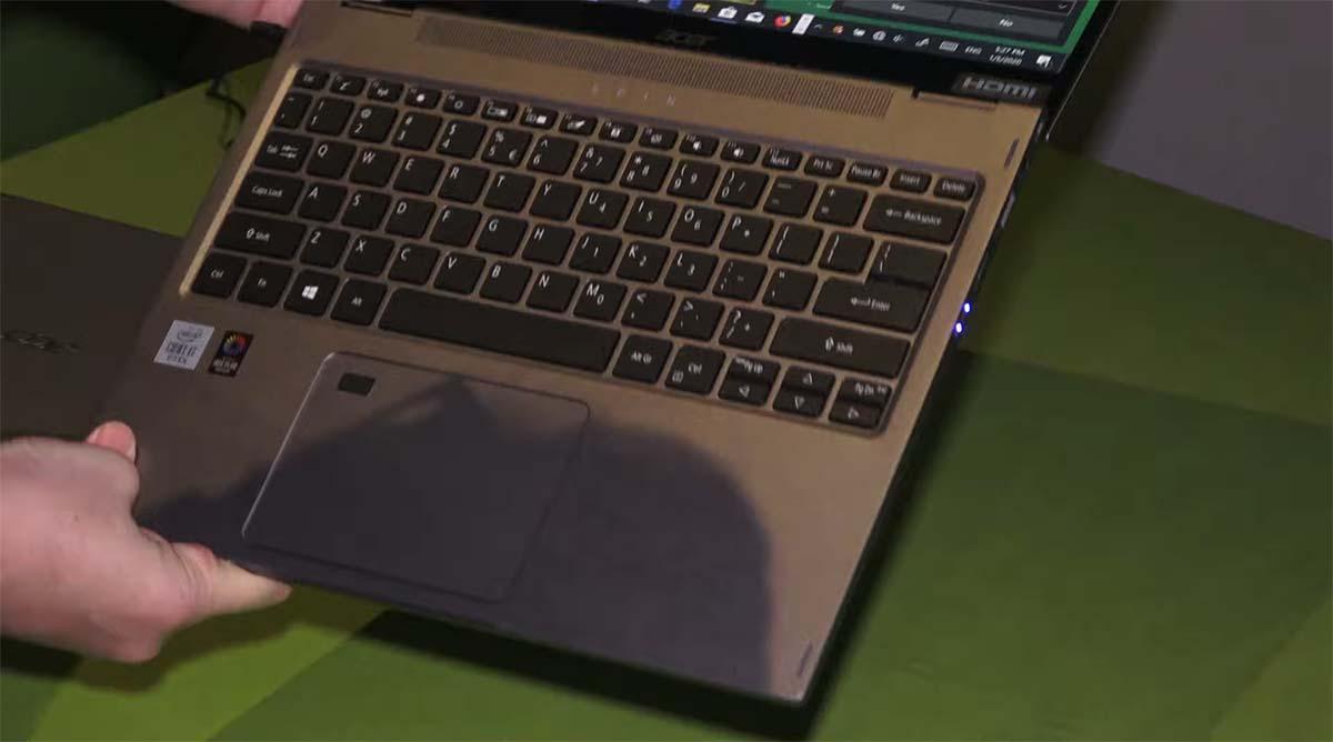 Acer Spin 3 Convertible Laptop keyboard