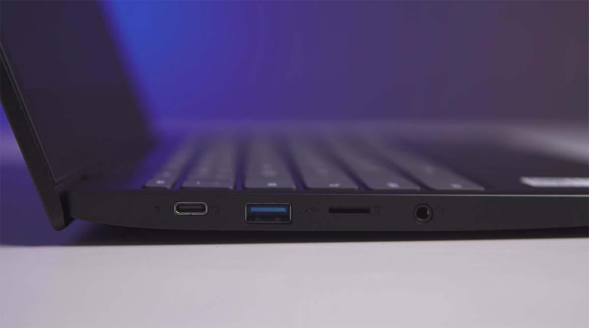 Lenovo Chromebook 3 (11-Inch) port kiri 2
