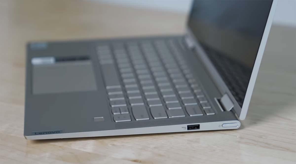 Lenovo Yoga C740 port kanan