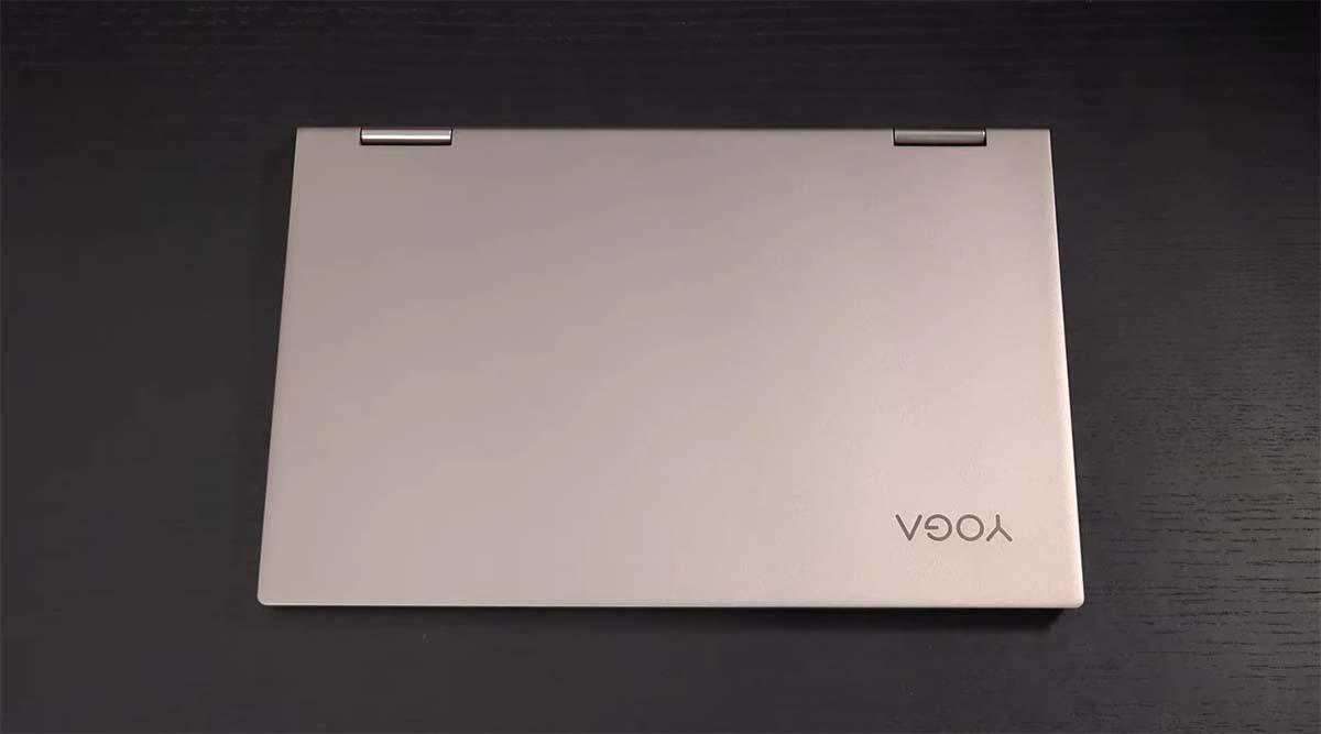 Lenovo Yoga C740 top