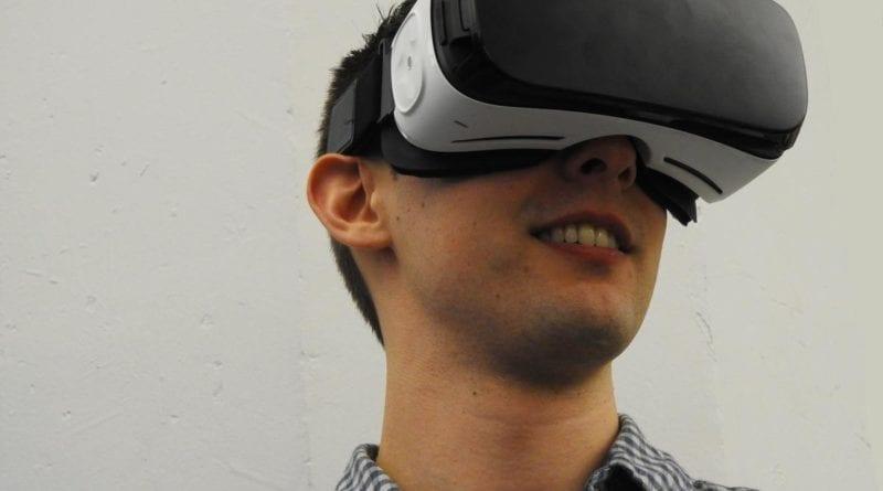 headset-virtual-reality