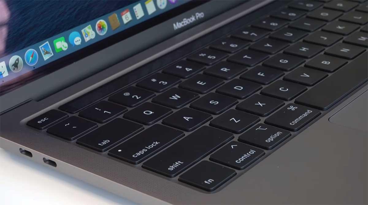 Apple-MacBook-Pro-13-inch-(2020)-keyboard