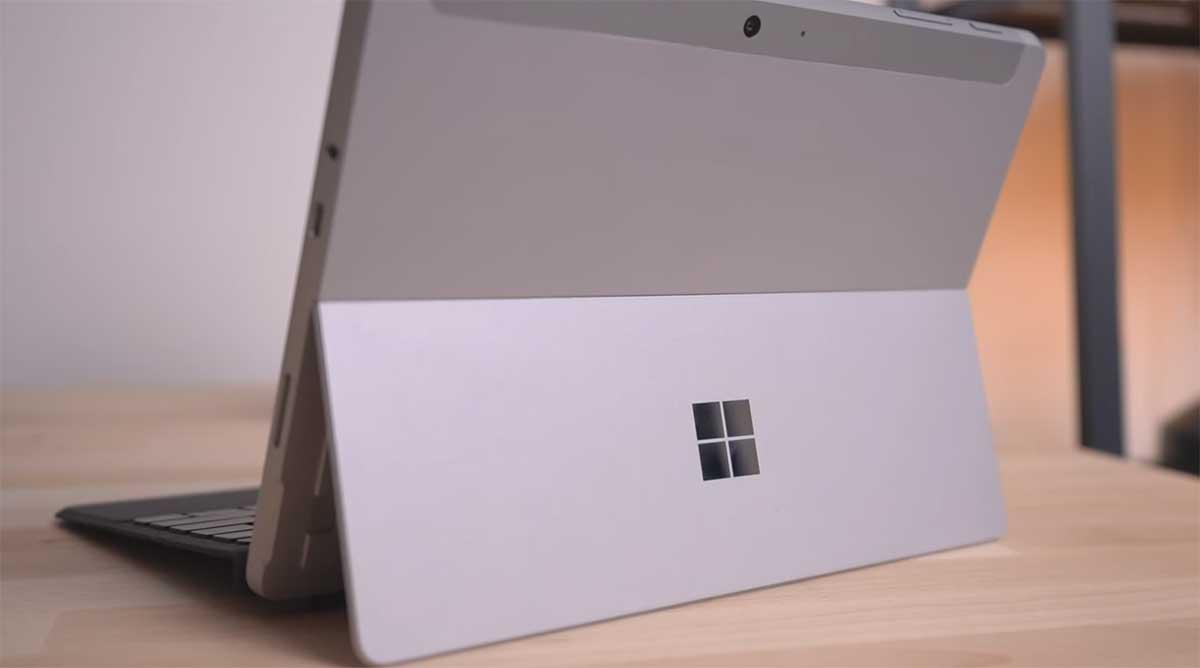 Microsoft-Surface-Go-2-(2020)-belakang